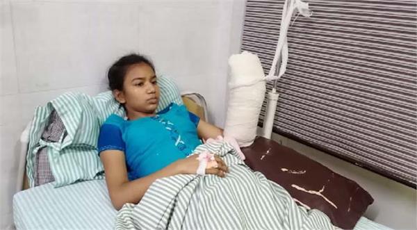 theft case police jalandhar deadly attacked girl