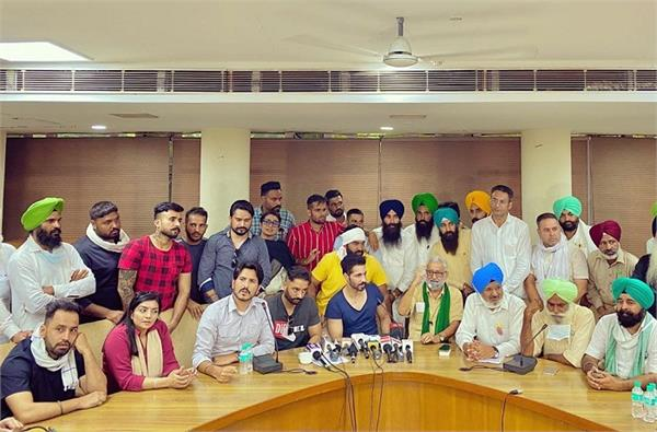 a joint committee of artists and farmers will be formed in
