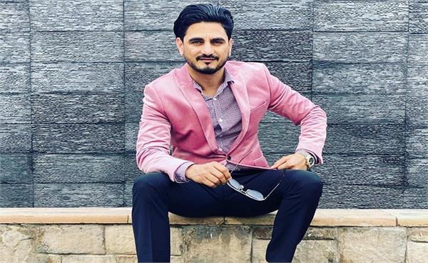 punjabi singer kulwinder billa donating plasma