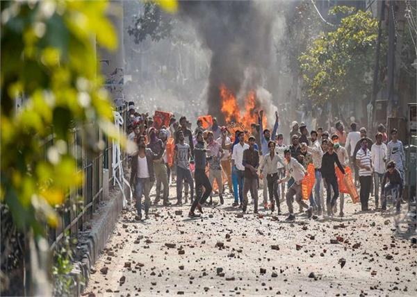 delhi violence filmmakers rahul roy and saba dewan summons