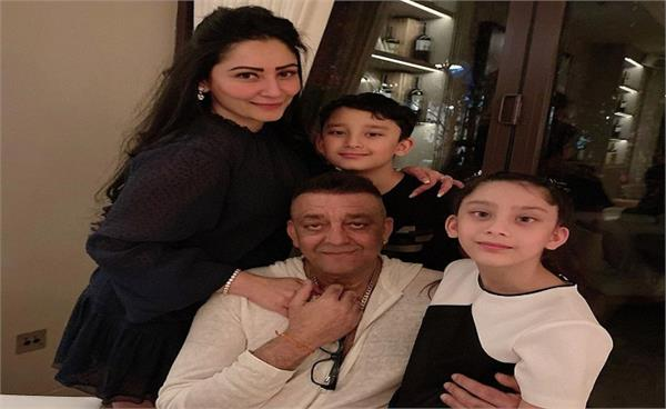 sanjay dutt suffering from 4th stage lungs cancer looks very week
