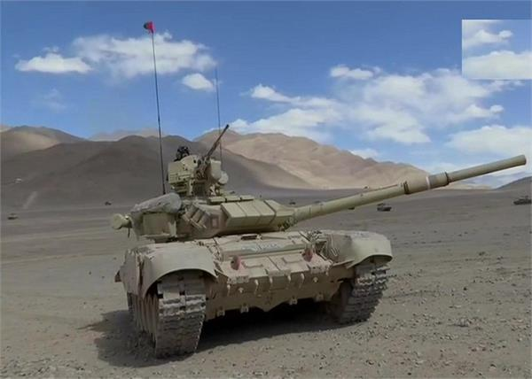 indian army deploys t 90 t 72 tanks near lac
