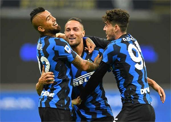 inter milan  fiorentina  serie a football tournament  defeated