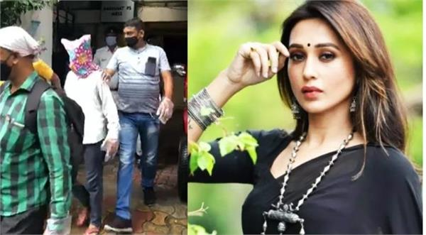 driver makes indecent gestures at mp mimi chakraborty