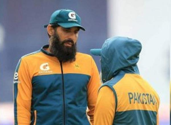 pcb angry with misbah and other players for meeting imran
