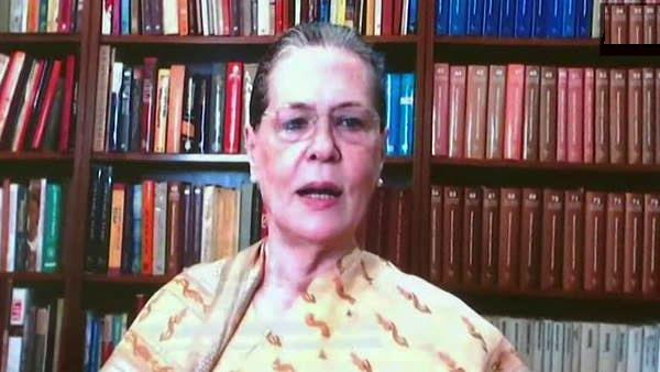 sonia gandhi urges congress ruled states to override centre s farm laws