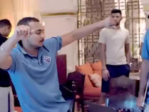 prithvi shah dances after defeating dhoni  s team