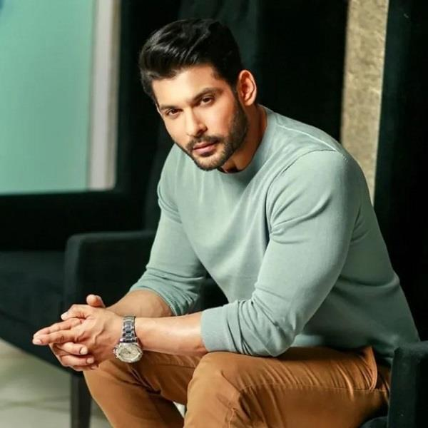 late  sidharth shukla wins best actor award for   broken but beautiful 3