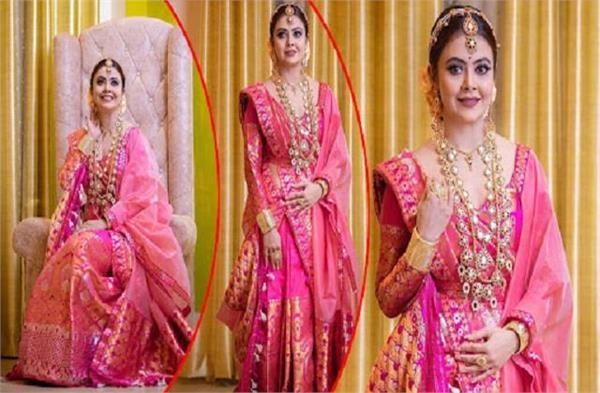 actress devolina poses in pink saree photos go viral