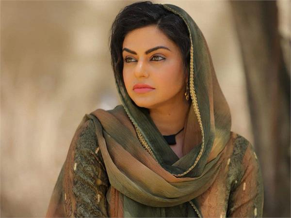 nisha bano shared a romantic video with sameer mahi