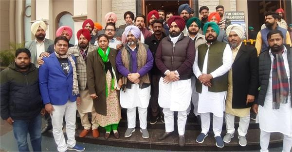 tickets to a large number of youth in city council elections  dhillon