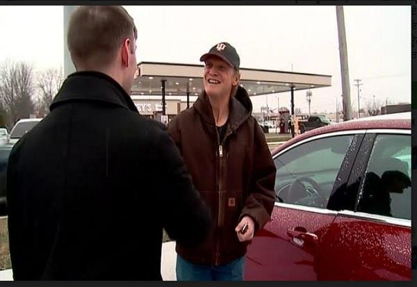 indiana pizza delivery man gets new car in tip