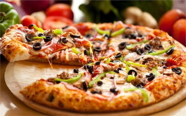here s how to make pizza in your home kitchen