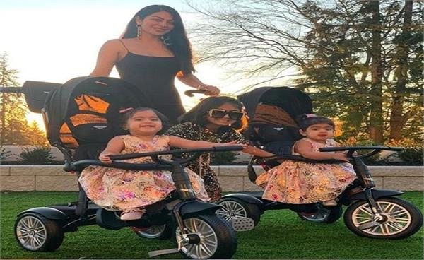 neeru bajwa share picture with her three daughters