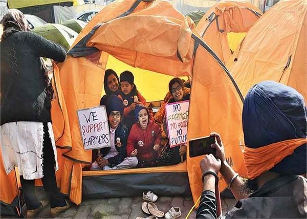 farmers protest in children at delhi borders