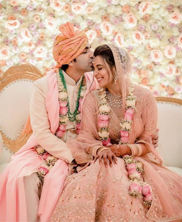 world billiards champion  pankaj advani  saniya shadadpuri  married