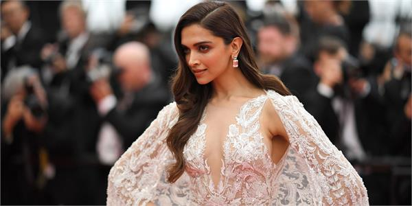 deepika padukone empty social media accounts
