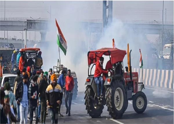 delhi police detains 200 people violence farmers tractor parade
