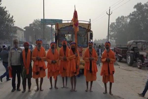 nagar kirtan on the day of guru gobind singh maharaj  s enlightenment