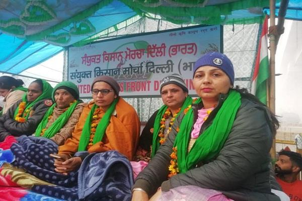 two anganwadi workers hunger strike of women farmers day