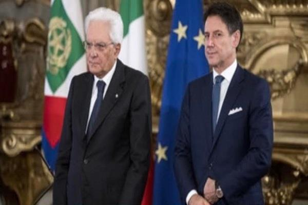 immigrants at risk due to political crisis in italy