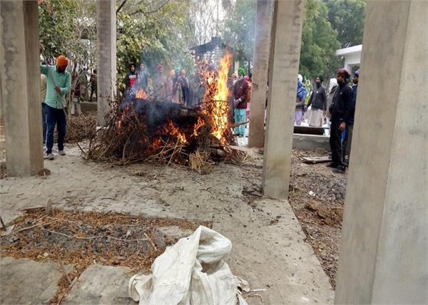 protest  farmer labor  funeral  budhlada