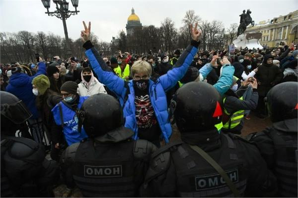us condemns russias strict action against protesting journalists