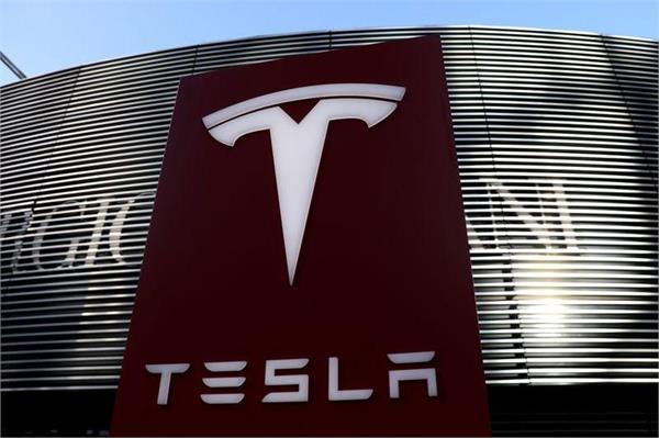 us tesla to recall 158000 vehicles due to touchscreen failures