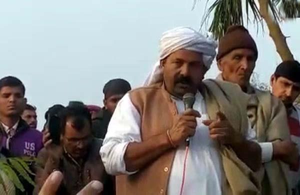 naresh tikait announces end to dharna