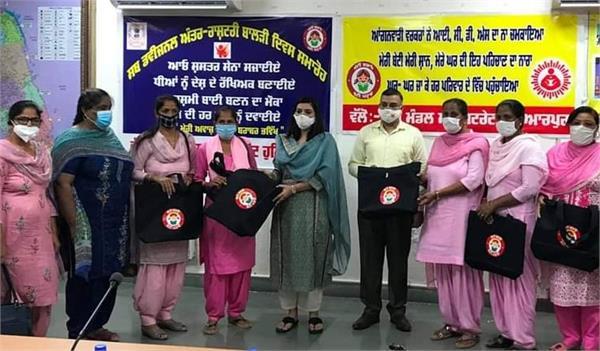 hoshiarpur emerges in the field of women empowerment  apneet riyat