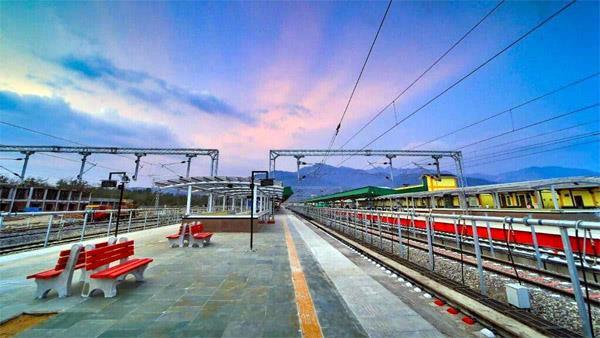 train started between rishikesh jammu tawi