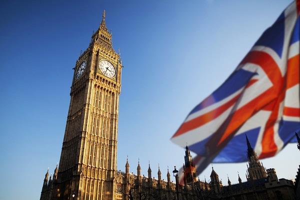 3 lakh people hong kong britain visa scheme