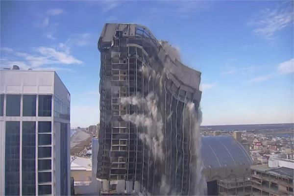 trump s plaza in the us destroyed with dynamite this is the reason