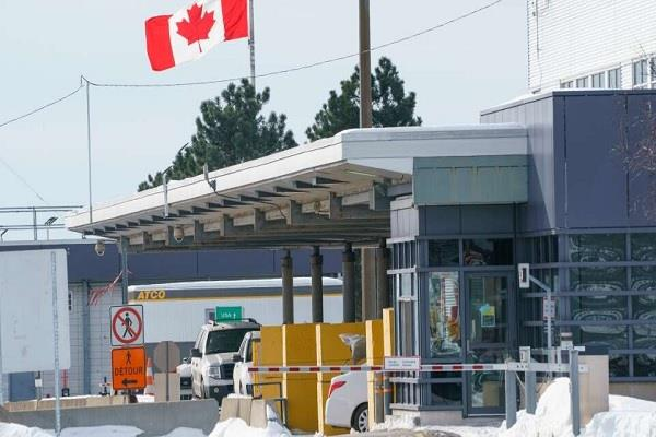 canada u s  border closed to non essential travel