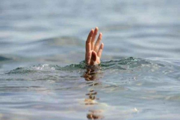 minor girl jumped into canal