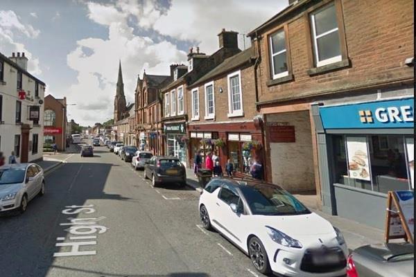 scotland police seize drugs during patrol