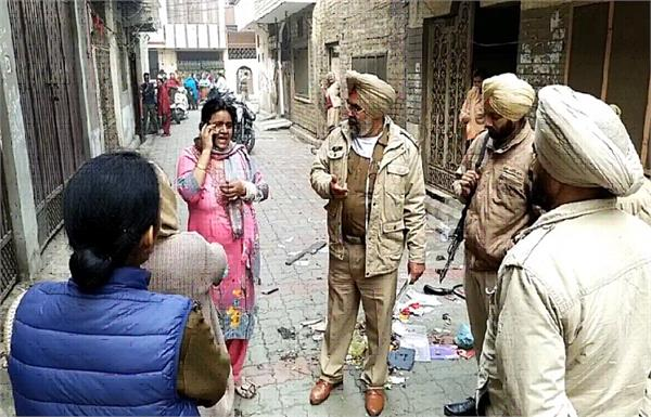 amritsar tenant woman area dirty words threats