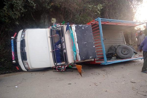 himachal pradesh road accident jeep 12 people injured