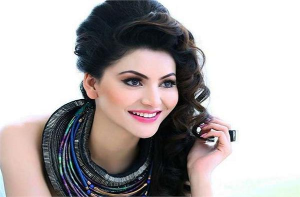 27 year old sanam re actress urvashi rautela