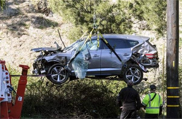 tiger woods crash was   just an accident    sheriff