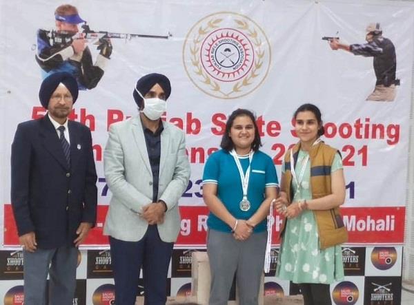 dav  school budhlada qualify for national shooting championship