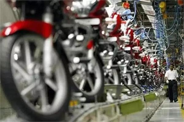 weak demand drives auto firms to offer discount
