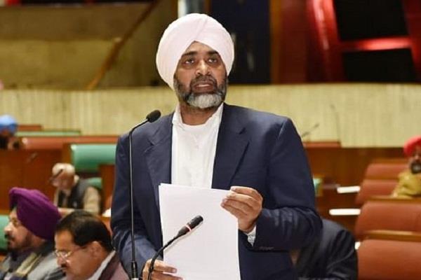 budget session  manpreet badal  smartphones  100 crores