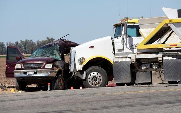 us mexico border suv and tractor trailer collided