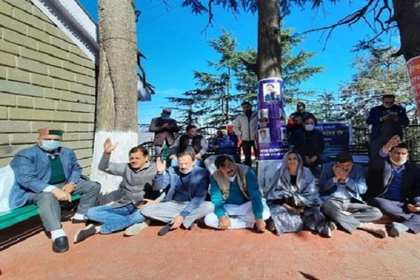 himachal pradesh assembly congress 5 mlas suspension canceled