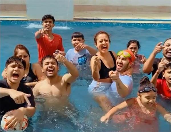 neha kakkar pre holi party with family