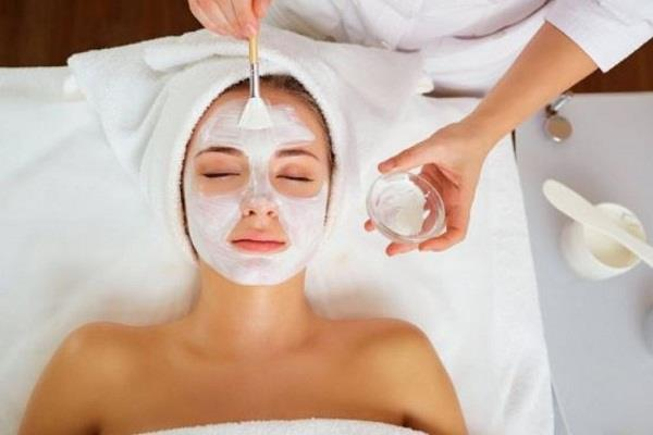 beauty tips apply bleach this way to make the face shiny and beautiful