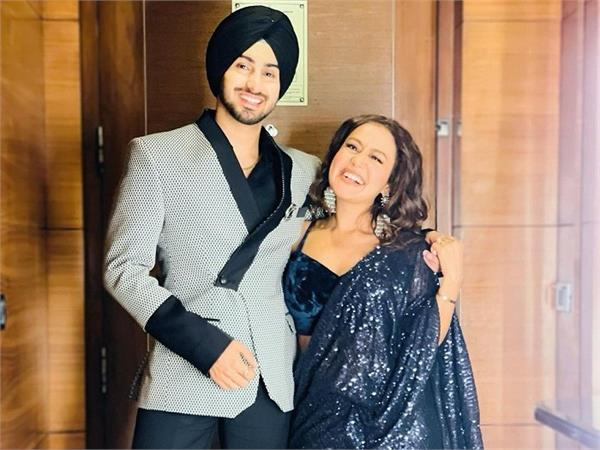 beautiful pictures shared by neha kakkar with husband rohanpreet