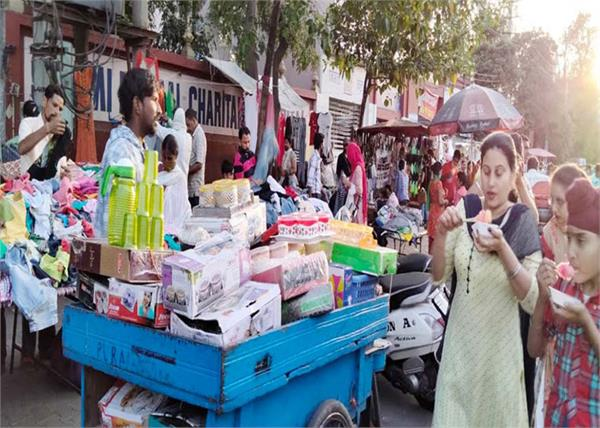 sunday markets and company bagh became the center of the corona virus