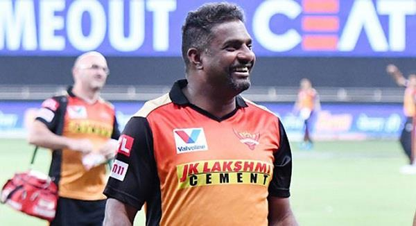 hyderabad bowling coach muralitharan admitted to hospital
